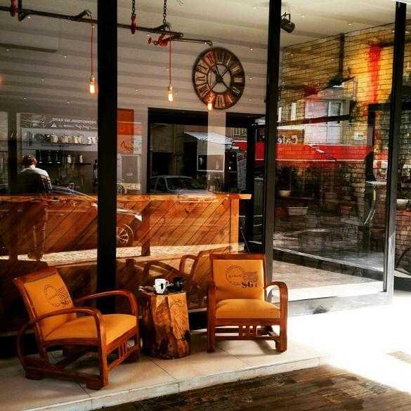More Coffee & Tea - Kahve Dükkanı Bornova