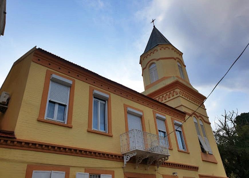 Göztepe Notre Dame Lourdes Katolik Kilisesi