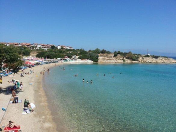 izmir Kocakarı Plajı
