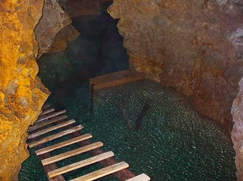 Ermenek Maraspoli Mağarası