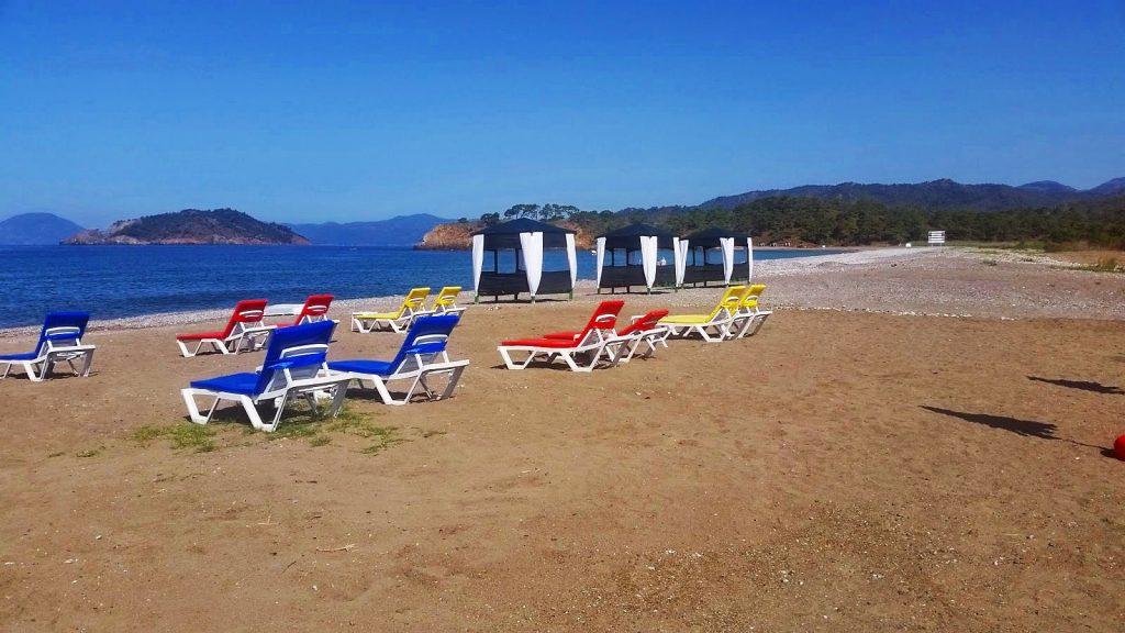 Kara ot Plajı