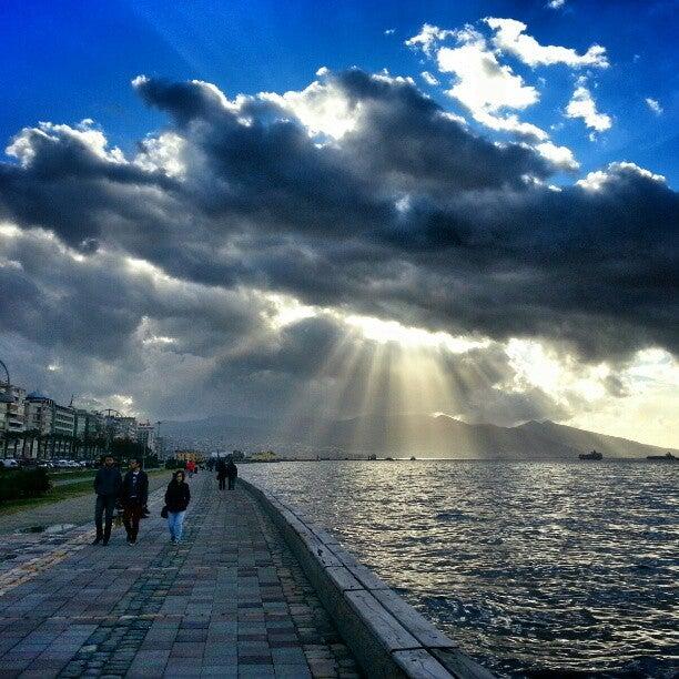 İzmir Kordon Boyu Boyunca