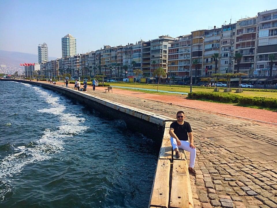 Güzelyalı Sahili İzmir