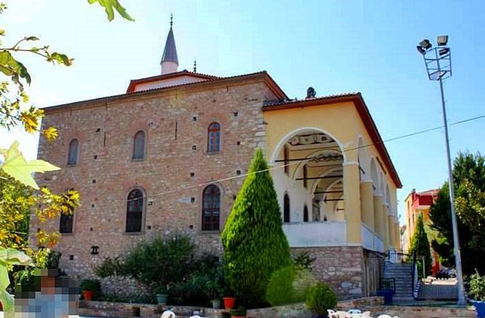 Kemalpaşa Halil Ağa Camii