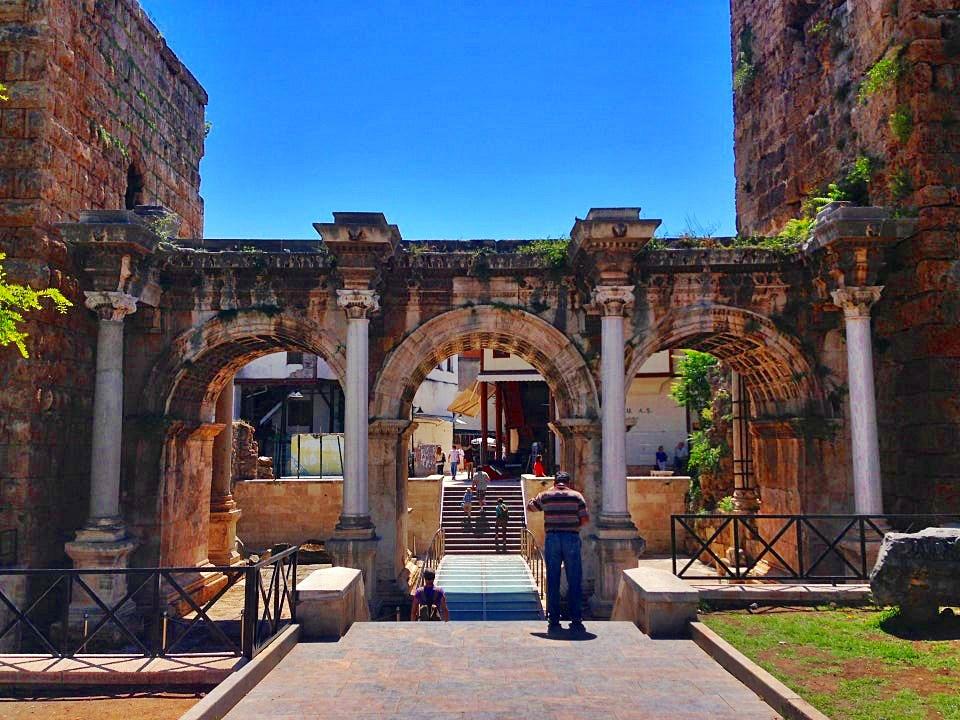 Antalya Hadrian Kapısı