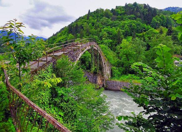 Rize Şenyuva Köprüsü