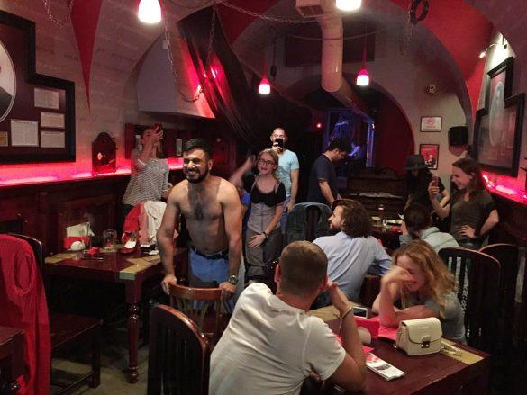 Ukrayna Değişik Eğlence Cafe Barları