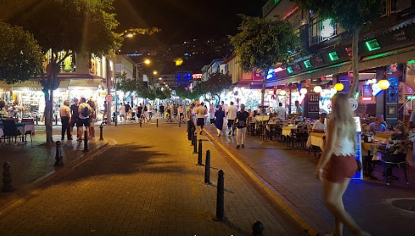 Alanya Barlar Sokağı