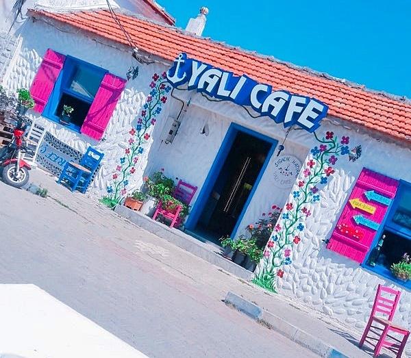 Yalı Cafe