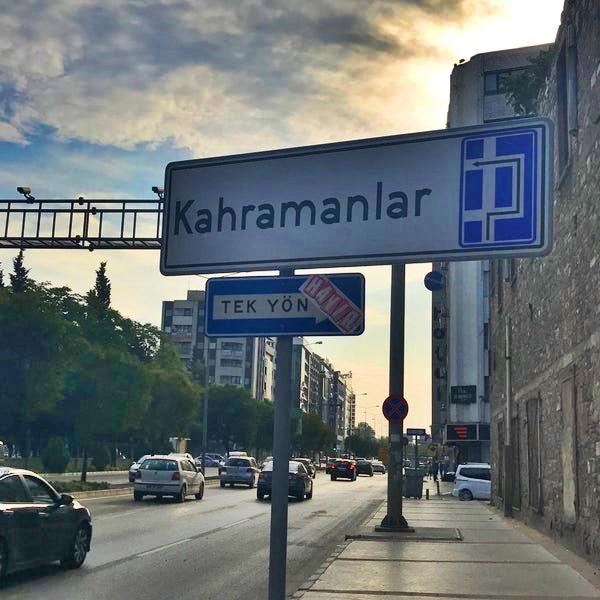 İzmir Kahramanlar