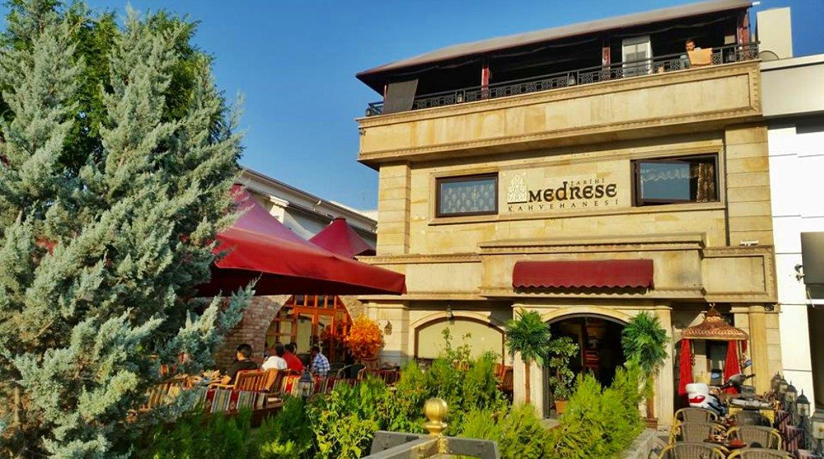 Tarihi Medrese Kahvehanesi